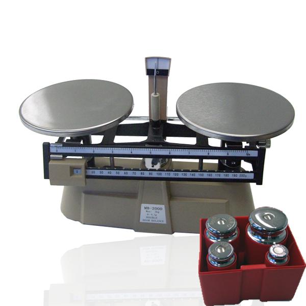 Mechanische Küchenwaage mit Gewichten